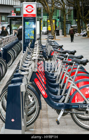 Bicycle sharing scheme, central London, England, UK - Stock Photo