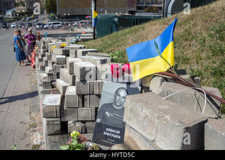 KIEV, UKRAINE - AUGUST 8, 2015: Memorial erected to the people killed by snipers on Heroyiv Nebesnoyi Sotni street - Stock Photo