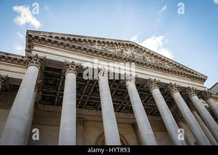 The main entrance to the Fitzwilliam Museum in Cambridge, England, UK - Stock Photo