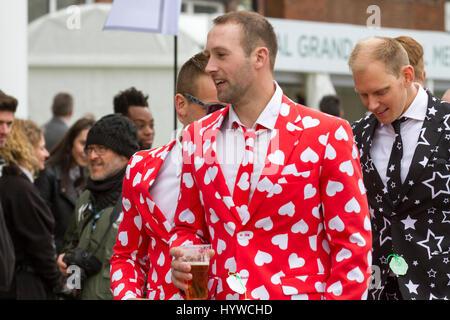 Randox Health Grand National, Liverpool, Merseyside. 7th April 2017. The fashions pour in at the Randox Health Grand - Stock Photo