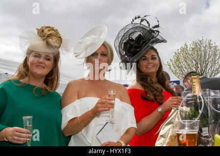 Randox Health Grand National, Liverpool, Merseyside.  7th April 2017.  The fashions pour in at the Randox Health - Stock Photo