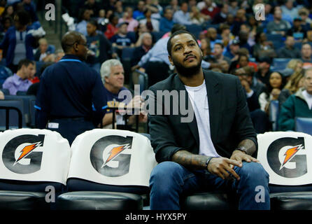 Memphis, Tennessee, USA. 08th Apr, 2017. New York Knicks forward Carmelo Anthony sits in the bench during a game - Stock Photo