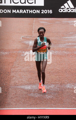 London, UK 24 April 2016. Mary Keitany races to finish ninth at the Virgin Money London Marathon at a time of2:28:30. - Stock Photo