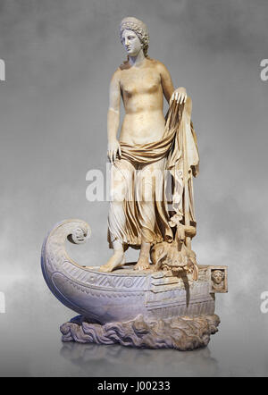 Statue of Thetsis - a 2nd century AD Roman statue found in the city of Lavinia, Italy. Thetis (/ˈθɛtɪs/; Ancient - Stock Photo