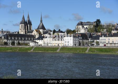 Blois, castle, Saint-Nicolas church and Abbaye Saint-Laumer de Blois, Loire river, Loire valley, Loir-et-Cher, Centre - Stock Photo