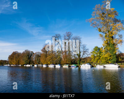 River Thames, Pangbourne on Thames, Village in Berkshire, England - Stock Photo
