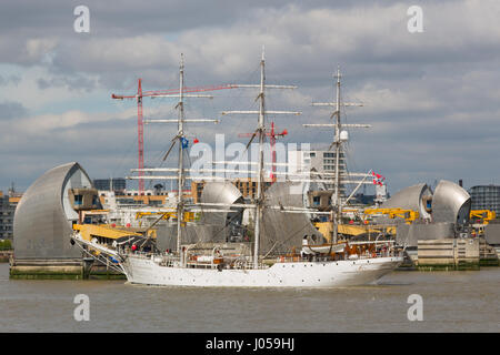 Greenwich, London, UK. 10th Apr, 2017. The tall ship Christian Radich, built in 1937, pictured on her way up the - Stock Photo