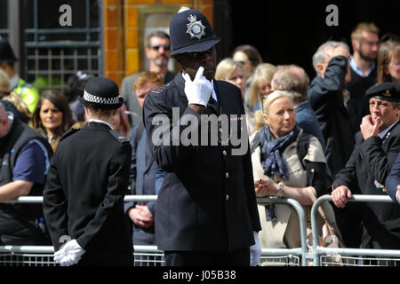 Southwark, London, UK. 10th Apr, 2017. Thousand of people and police officers in No.1 Dress uniform line the streets - Stock Photo