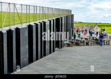 The Visitor Centre, Giant's Causeway, Causeway Coast, County Antrim, Northern Ireland, UK - Stock Photo