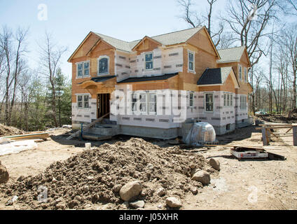 A new home under construction in Montvale, NJ - Stock Photo
