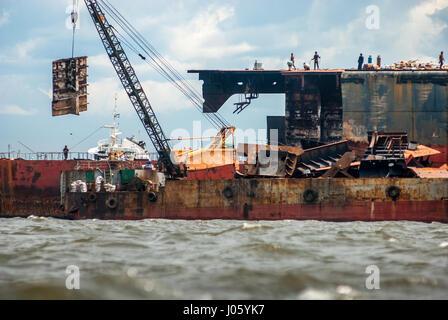 Ship breaking yard in Jakarta, Indonesia. © Reynold Sumayku - Stock Photo