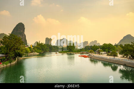 Sunset over Li river in Yangshuo city area, Guangxi China - Stock Photo