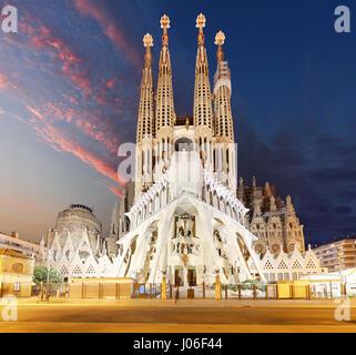 BARCELONA, SPAIN - FEBRUARY 10, 2016: Sagrada Familia basilica in Barcelona. The Antoni Gaudi masterpiece has become - Stock Photo