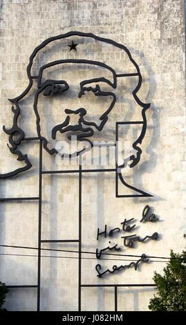 A vast mural of Che Guevara on a wall of a building overlooking the Plaza de la Revolucion in Havana in Cuba - Stock Photo