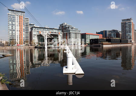 Emirates Airline Cable Car Terminus in the Royal Victoria Docks, Newham, East London - Stock Photo