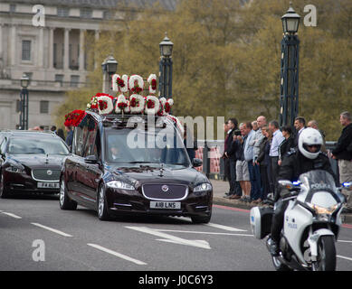 Lambeth Bridge, London. 10th April 2017. Full force funeral of PC Keith Palmer killed in Westminster terrorist attack - Stock Photo