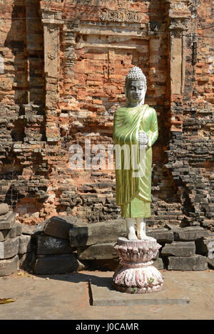 Wat Hanchey temple complex, Kampong Cham, Cambodia - Stock Photo