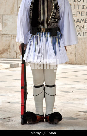 Evzonas Guardian in front of the Greek parliament building, Athens, Greece. - Stock Photo