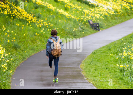 Aberdeen, Scotland, UK. UK Weather. 11th April, 2017. April showers fall on walkers at Riverside as locals take - Stock Photo