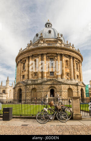 Radcliffe Camera a part of Bodleian Library, Oxford University (UK) - Stock Photo