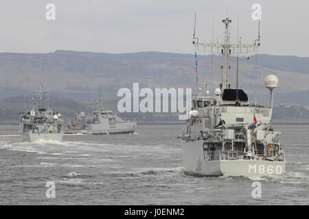 HNLMS Schiedam (M860), HMS Ramsey (M110, and KNM Hinnoy (M343), pass Greenock on their arrival for Exercise Joint - Stock Photo