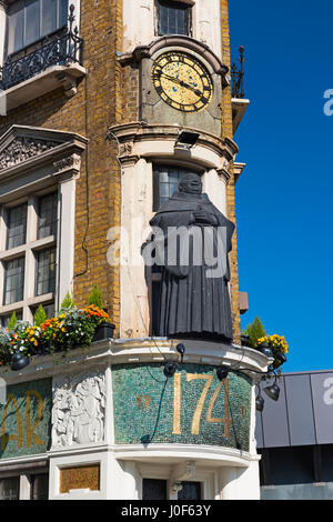 The Blackfriar Pub Blackfriars Queen Victoria Street City of London UK - Stock Photo
