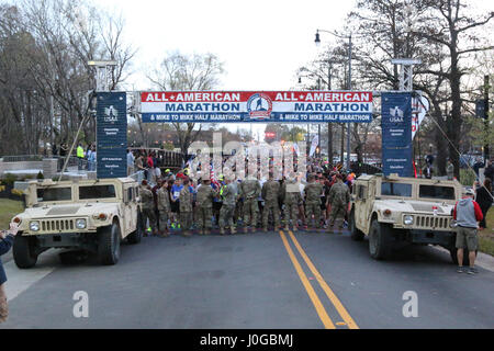 A collection of registrants wait to begin the All American Marathon Mar. 26, 2017 in Fayetteville, N.C. The marathon - Stock Photo