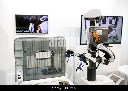 Hanover, Germany. 21th March, 2017. Industry robot NEXTAGE by Kawada Robotics (Japan), able  to side-by-side working - Stock Photo