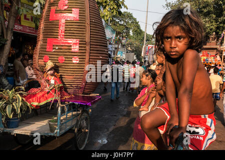 (170413) -- KOLKATA (INDIA), April 13, 2017 (Xinhua) -- An Indian Hindu girl dressed as goddess is seen during the - Stock Photo