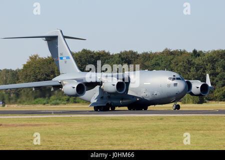 GILZE RIJEN, THE NETHERLANDS - Military Boeing C-17 Globemaster III cargo plane touch-and-go.The plane belongs to - Stock Photo