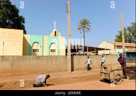 SOUTH SUDAN, Bahr al Ghazal region, Lakes State, town Rumbek , mosque / SUED-SUDAN  Bahr el Ghazal region , Lakes - Stock Photo