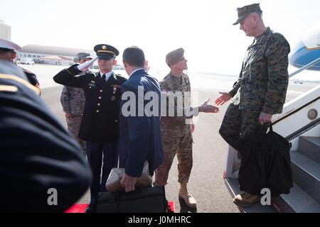 Joseph F Dunford, the chairman of the Joint Chiefs of Staff, is greeted by Joseph Votel, commander of US Central - Stock Photo