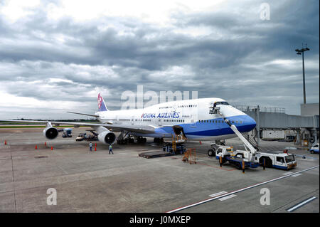 Taipei, Republic of China (Taiwan) - March 2016: Aircraft ground handling of a China Airlines Boeing 747-400 at - Stock Photo