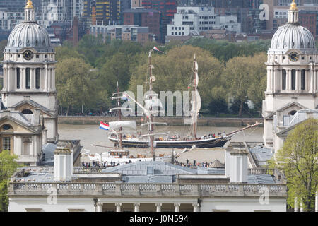 Greenwich, London, UK. 14th April, 2017. Tall ship Morgenster pictured passing maritime Greenwich during this Easter's - Stock Photo