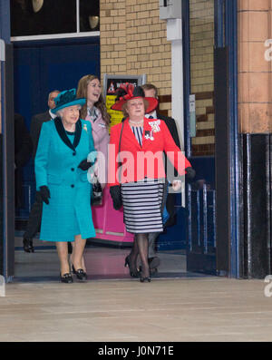 Leicester, UK. Thursday 13th April 2017. Her Majesty Queen Elizabeth II and The Duke or Edinburgh arrive at Leicester - Stock Photo