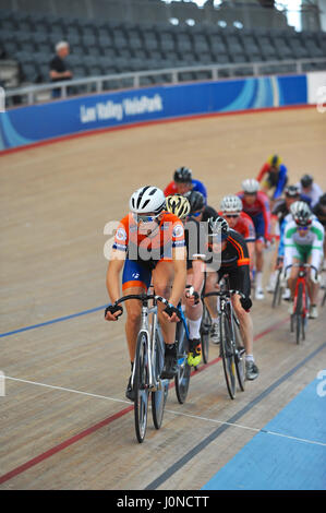 London, UK. 14th April, 2017. Cyclists racing around Lee Valley Velodrome during the Southern Counties Cycling Union - Stock Photo