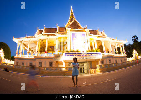 The palace was constructed after King Norodom relocated the royal capital from Oudong to Phnom Penh in the mid-19th - Stock Photo