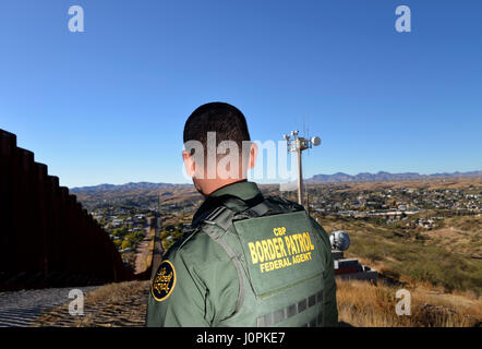 U.S. Border Patrol agent, Vicente Paco, speaks about the work of agents along the international border with Mexico - Stock Photo