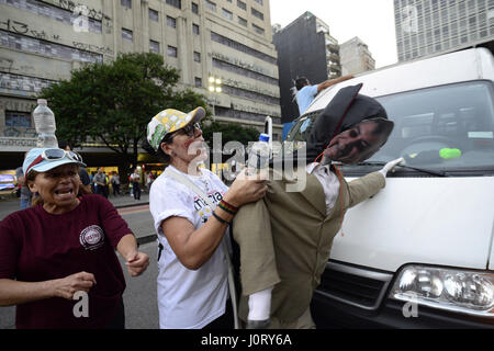 April 15, 2017 - SâO Paulo, São paulo, Brazil - A puppet of Brazilian President Michel Temer was set on fire by - Stock Photo