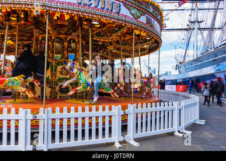 London Greenwich,UK. 15th April, 2017. People enjoy  the stalls, entertainment and funfair The Royal Borough of - Stock Photo