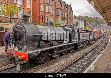 Llangollen railway. Ex LMS Class G2 0-8-0 SuperD No. 49395 at Llangollen station. Steam Steel & Stars 3 *** Local - Stock Photo