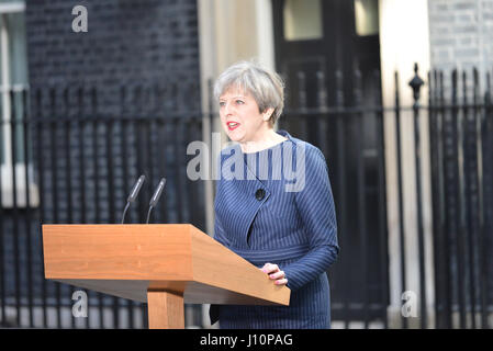 Downing Street, London, UK. 18th Apr, 2017. Prime Minister Theresa May announces a General Election. Credit: Matthew - Stock Photo