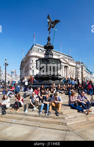 The Shaftesbury Memorial Fountain with Eros statue in Picadilly Circus, London England United Kingdom UK - Stock Photo