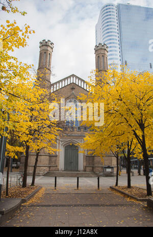 Park and the Church of the Holy Trinity in Toronto city centre - Stock Photo