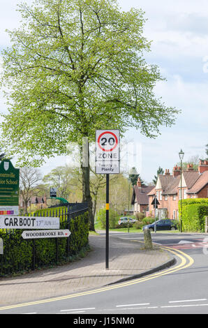 20 mile an hour speed limit sign in Bornville, Birmingham - Stock Photo