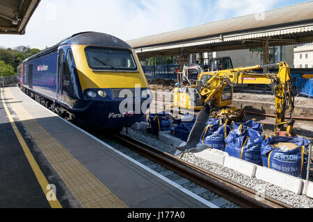 Bath, UK. 18th Apr, 2017. A Great Western Railway (GWR) High Speed Train travelling from Bristol to London is pictured - Stock Photo