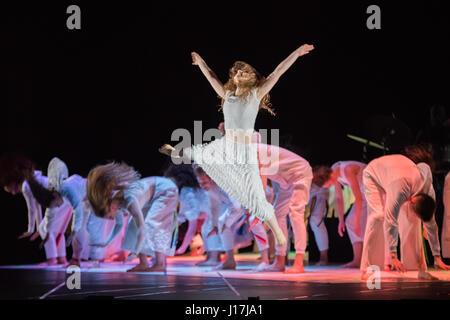 London, UK. 18th Apr, 2017. National Youth Dance Company/Damien Jalet presents the world premiere of Tarantiseismic - Stock Photo