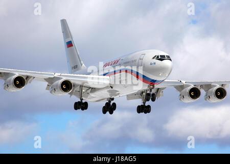 VNUKOVO, MOSCOW REGION, RUSSIA - MARCH 10, 2013: Ilyushin IL-96-300 RA-96018 of President's special flight unit - Stock Photo