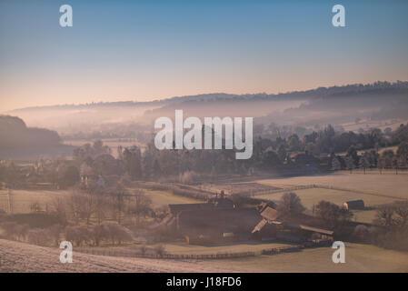 Early morning mist hangs over the Hamleden Valley - Stock Photo