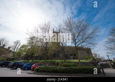Wide angle view on a spring day of St Peter's Collegiate Church in Wolverhampton with the city council offices in - Stock Photo